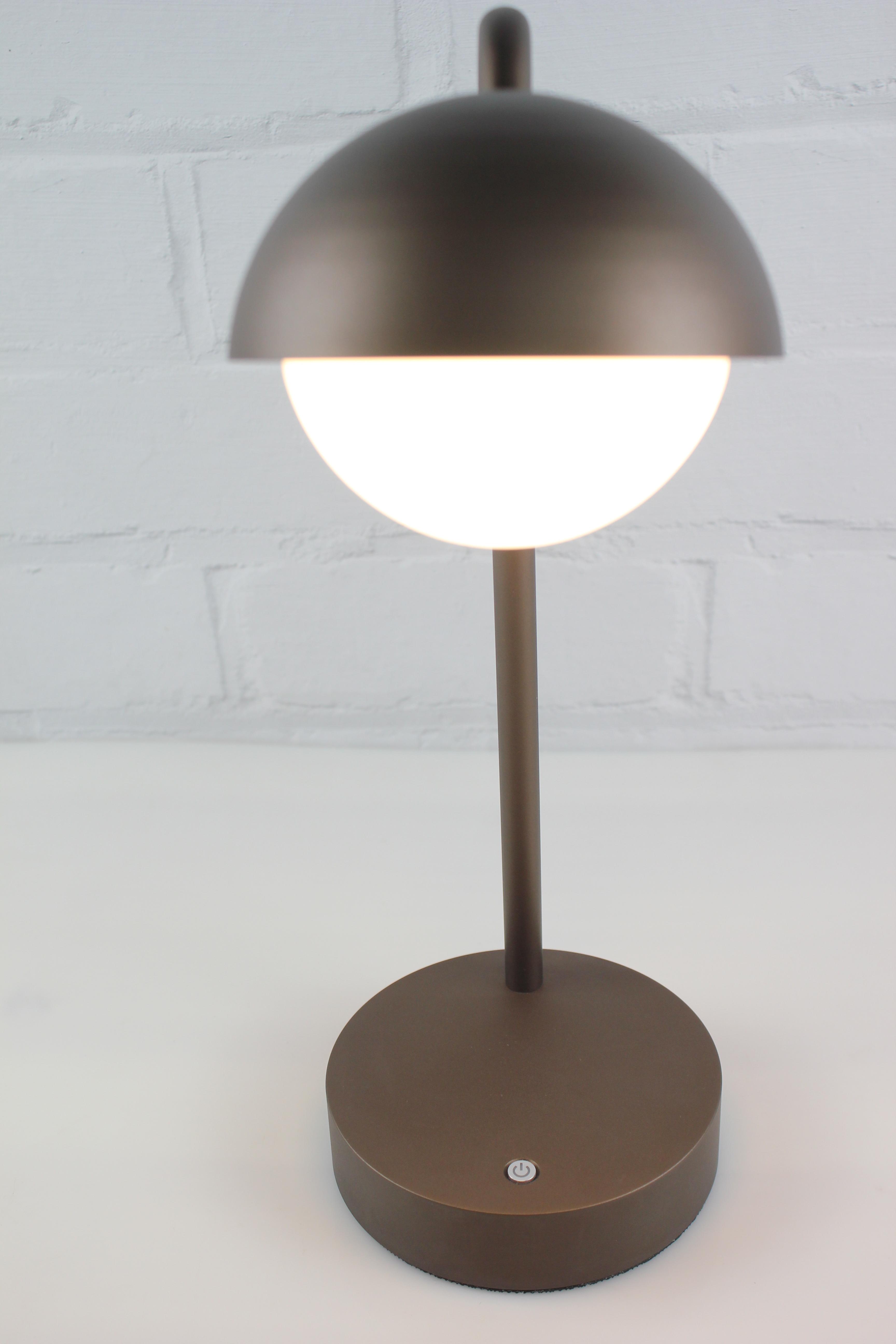 Высокое качество батарея круглый абажур настольная лампа led современный декоративный затемняемый бар металлическая настольная лампа