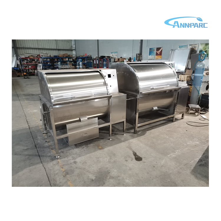 Rotary poultry scalder for poultry abaatoir
