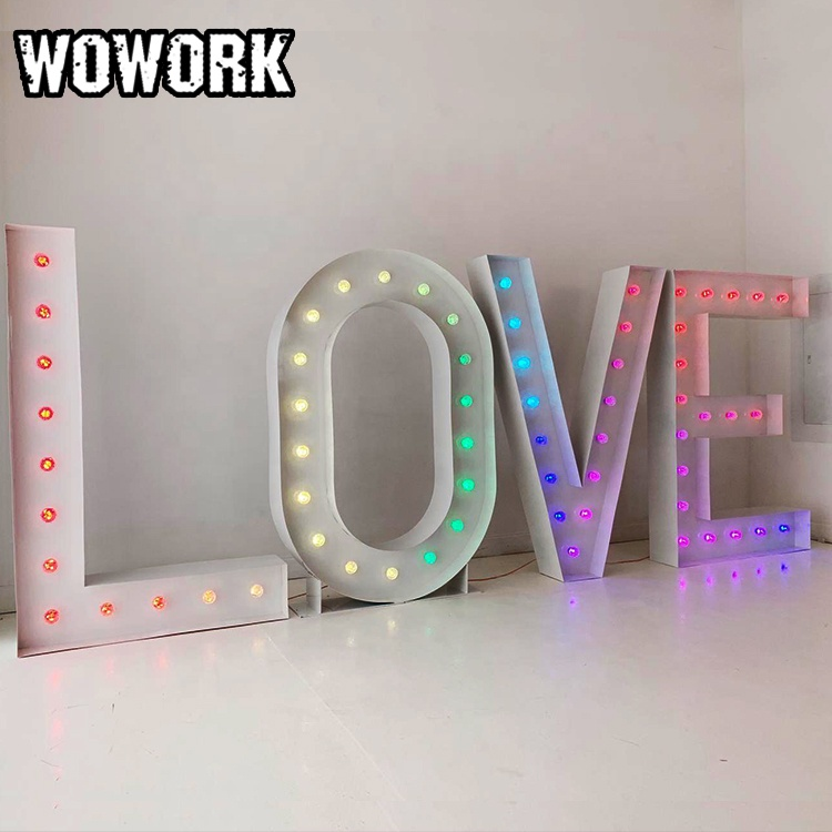 WOWORK fushun customized waterproof huge LOVE MR & MRS wedding letter alphabet lights photo booth hire