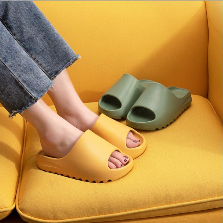 Joghn оригинал высокое качество заказное лого шлепанцы без задника с открытыми пальцами; Женская обувь Yeezy тапочки для женщин и детей, мужчин сечением для кроссовок Yeezy шлепанцы без задника с открытыми пальцами