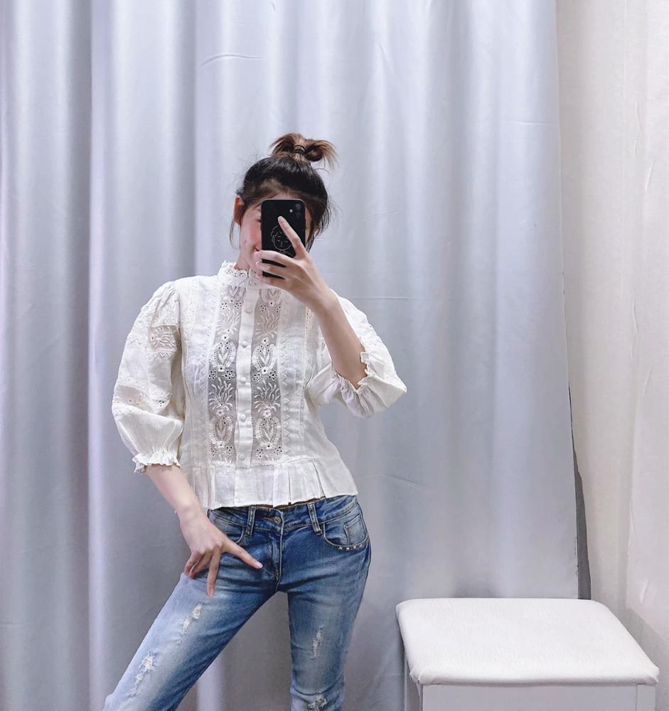 Korean style three quarter sleeve embroidered white color lady linen cotton blouse