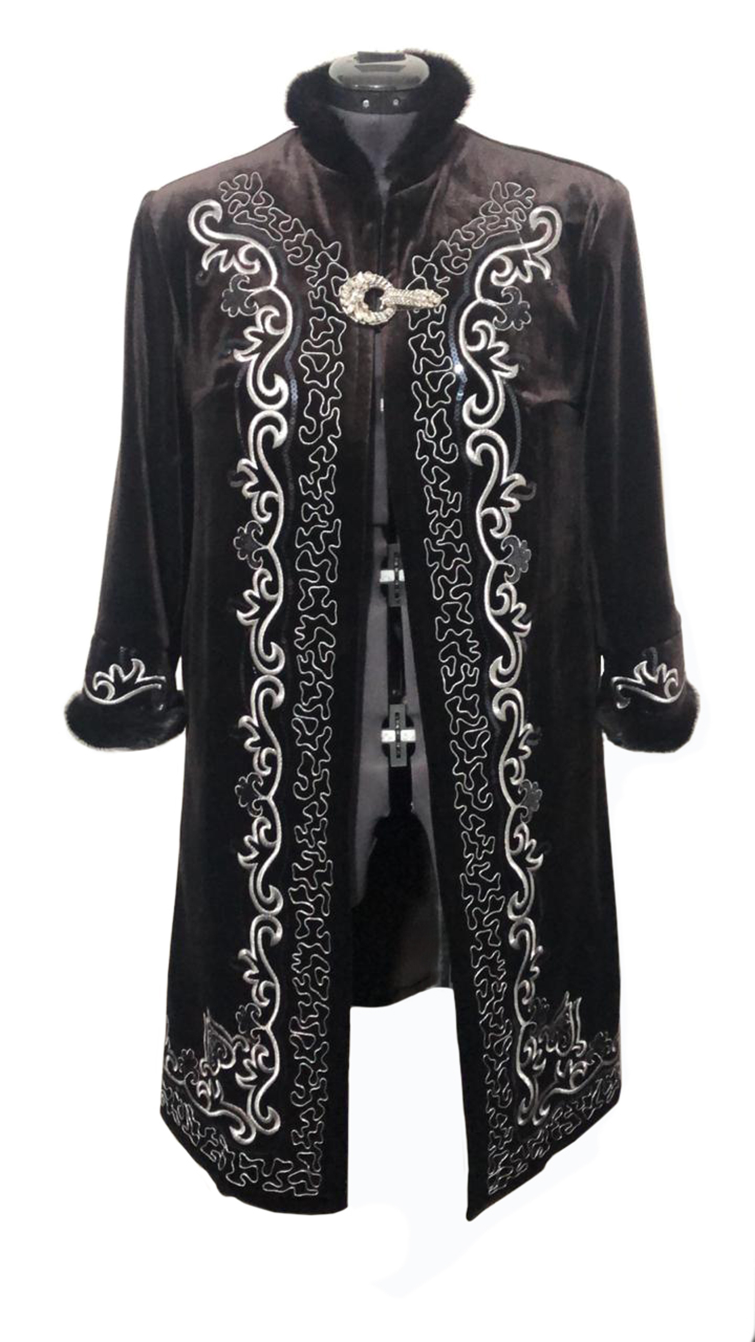 Woman Winter Warming Clothes With Embroidered Ornaments Design