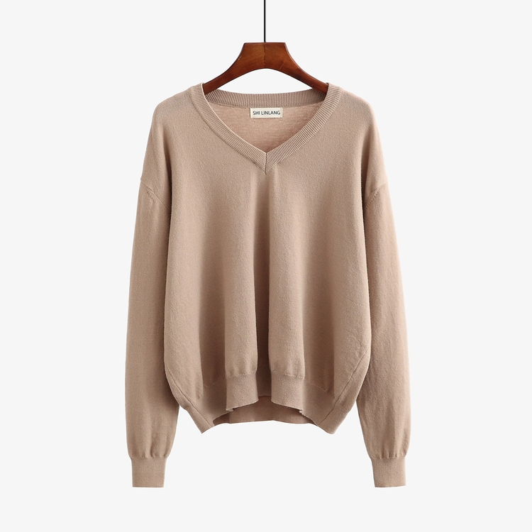 Durable good warmth and resistance wind cold be worn outside a primer for ladies sweater