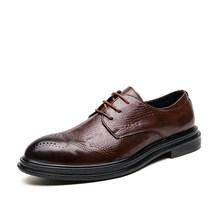 Новинка осени 2020, винтажная деловая обувь для мужчин, мужские модельные туфли с перфорацией типа «броги», кожаные модные свадебные туфли ру...(Китай)
