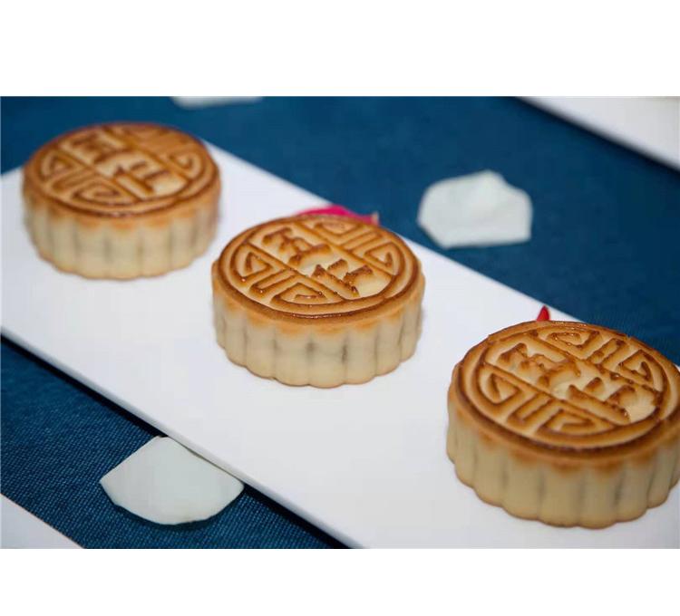 2021 New Factory Direct Supply of Healthy Moon Cakes Custom Mid-autumn Moon Cakes Custard Flow Heart Moon Cakes