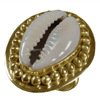 Natural Seashell Ring Boho Gold Filled Shell Cowrie Ring Indian Beach Jewelry for Women