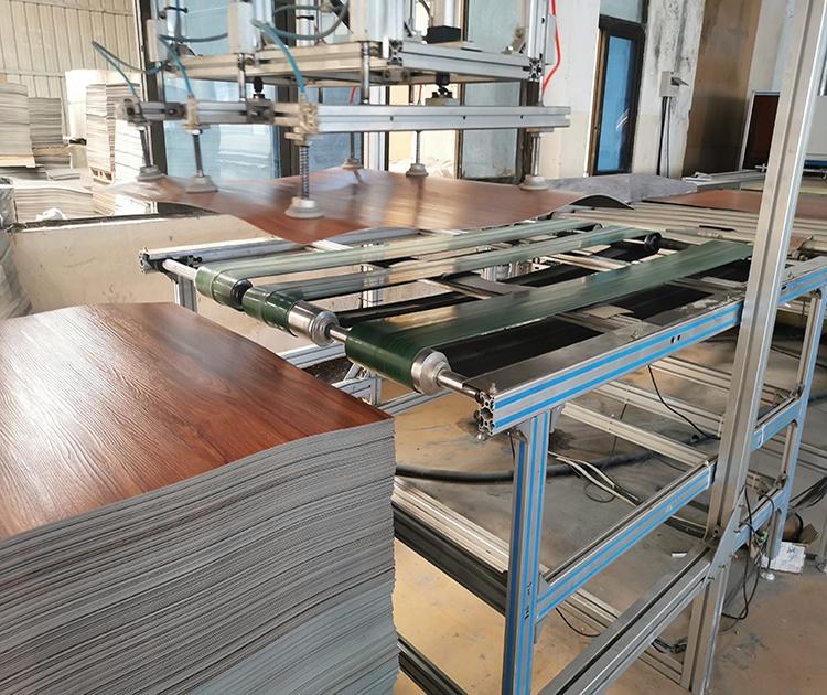 Простой цвет, деревянный дизайн, виниловый пластиковый настил, пластиковое напольное покрытие для помещений