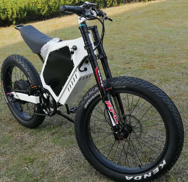 5KW/8KW High Power High Speed Li ion battery 100KM Range Off-road Bomber Electric Bike Fast