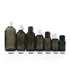 Transparent schwarz glas dropper flasche