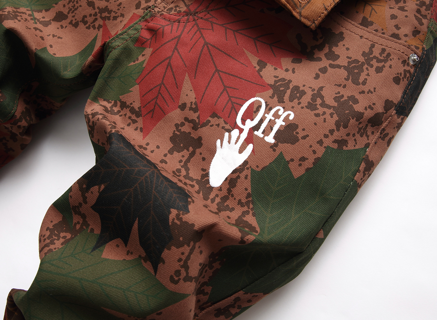 Wholesale 2021 new camouflage maple leaf pattern printing men's jeans stretch feet nightclub costume long pants