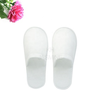Disposable Wholesale Hotel Bathroom Spa Amenities Closed Toe Pull Plush Slipper