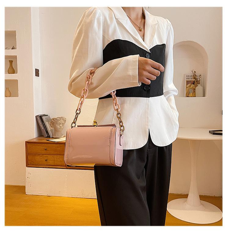 Latest Design 2021 Trendy Chain Pure color Box Handbags Ladies Purse Designer bag Women