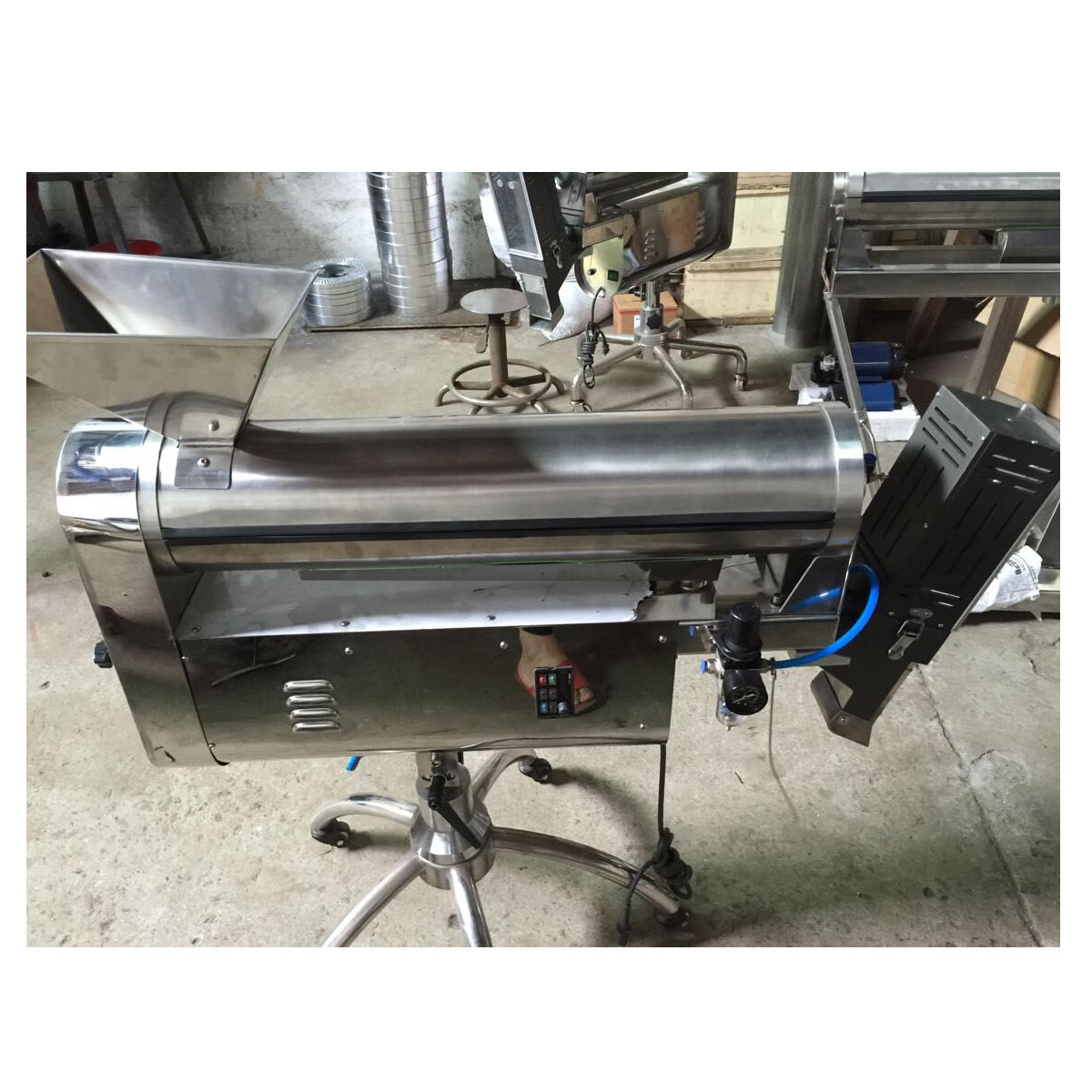 Metal automatic small stainless steel capsule sorting and polishing polisher machine YPJ-GC
