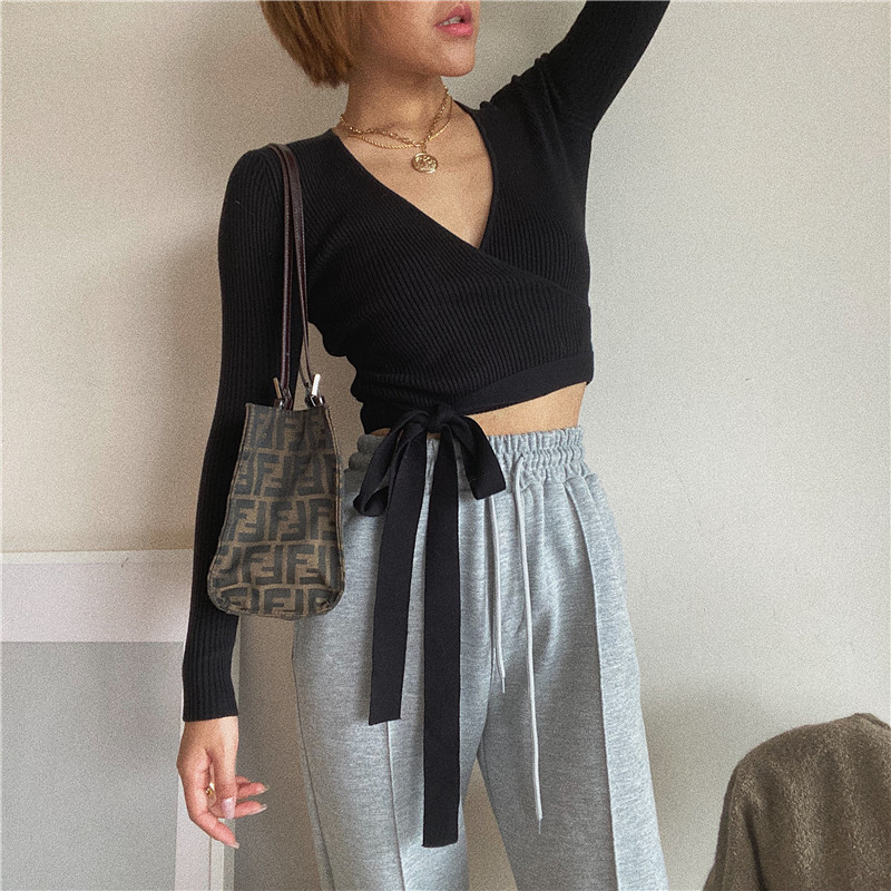 Runwaylover E833 V-neck wrap stretch ribbed knit long sleeve sexy crop top