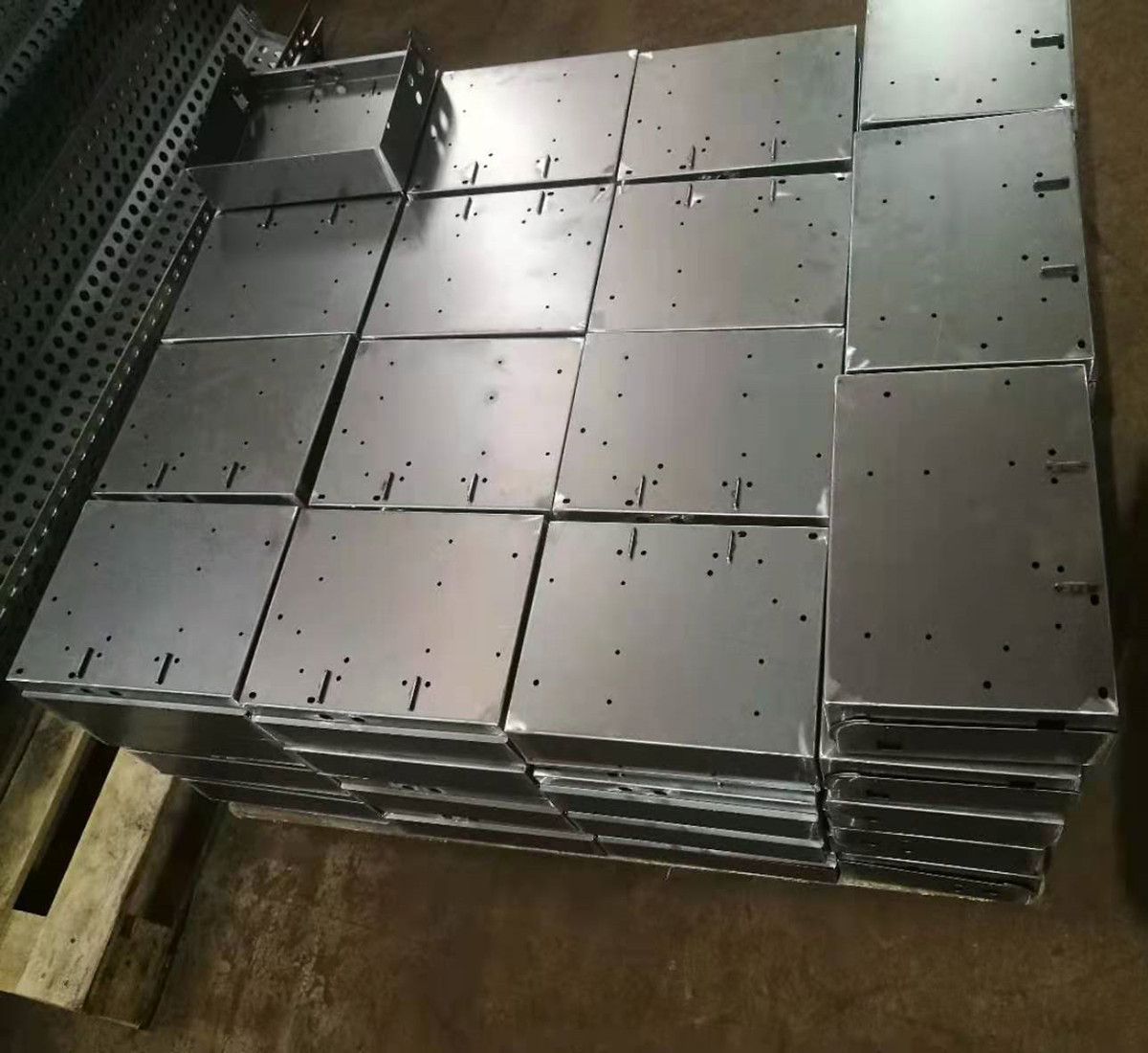 Cold rolled steel sheets manufacturer bend and weld steel sheets fabricate