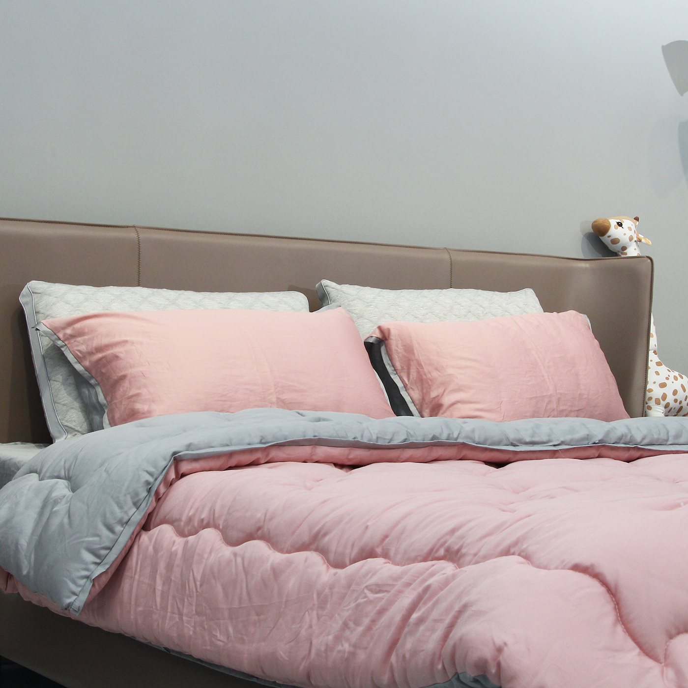 New Technology Warm Soft Bed Quilities Comforter OEM Autumn Winter Quilt