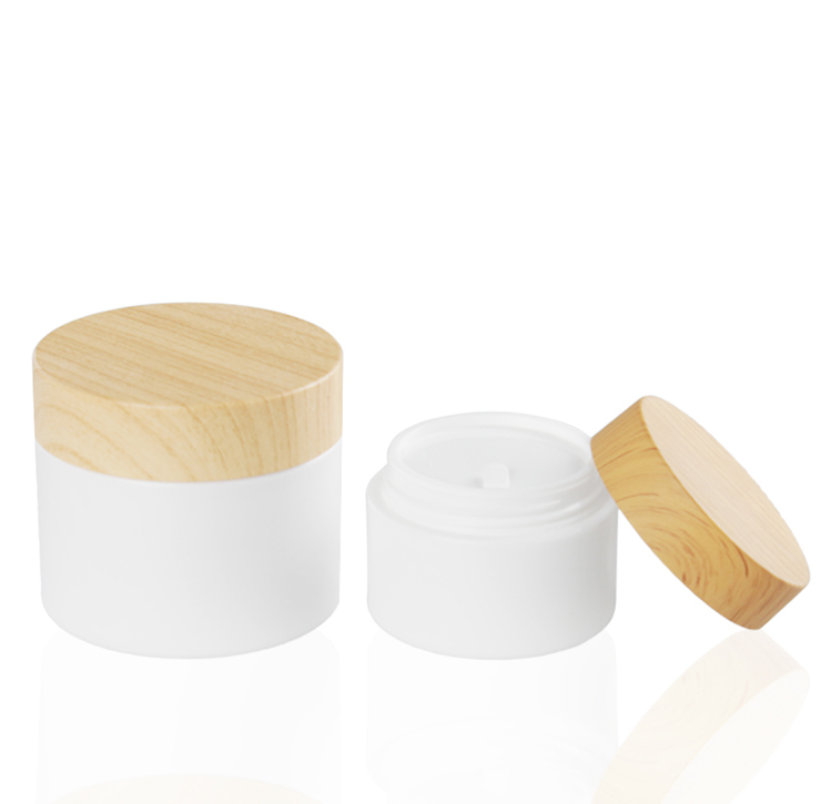 ningbo fantastic novel  10 20 30 50 100 150ml white with bamboo lids PP  palstic cosmetics packaging bottles and skin care jars