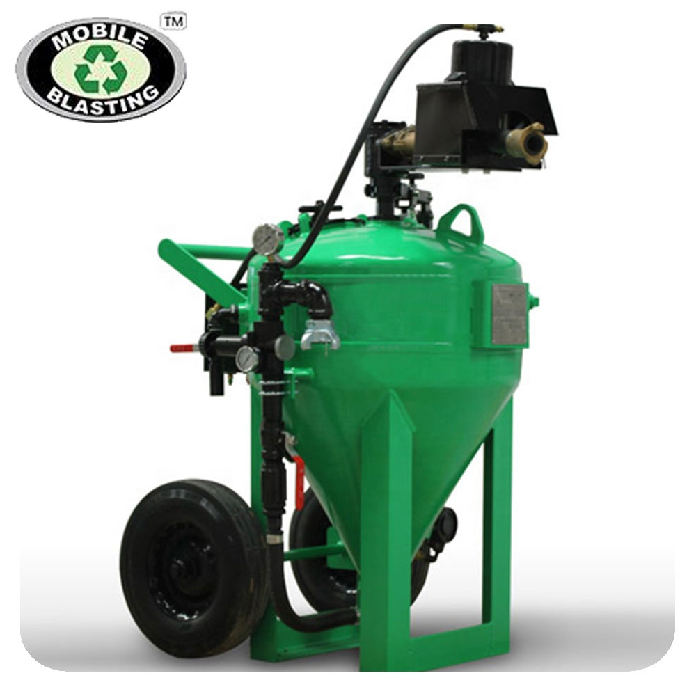 vehicle mounted water sand blasting machine with water pump/tank/air compressor and cooling system