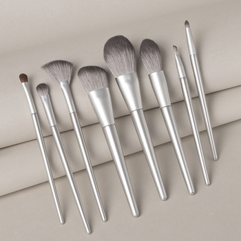 Vendor Creating Eco-friendly Natural Wooden Handle Makeup Brush Set Oval Brushes Makeup Highlight Set