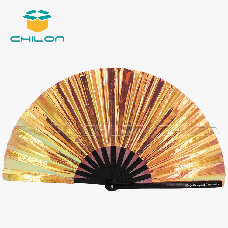 Индивидуальный сувенир для гостей свадьбы, персонализированный бамбуковый Ручной Веер из ПВХ для покрытия, Ручной Веер кунг-фу, Ручной Веер для продажи