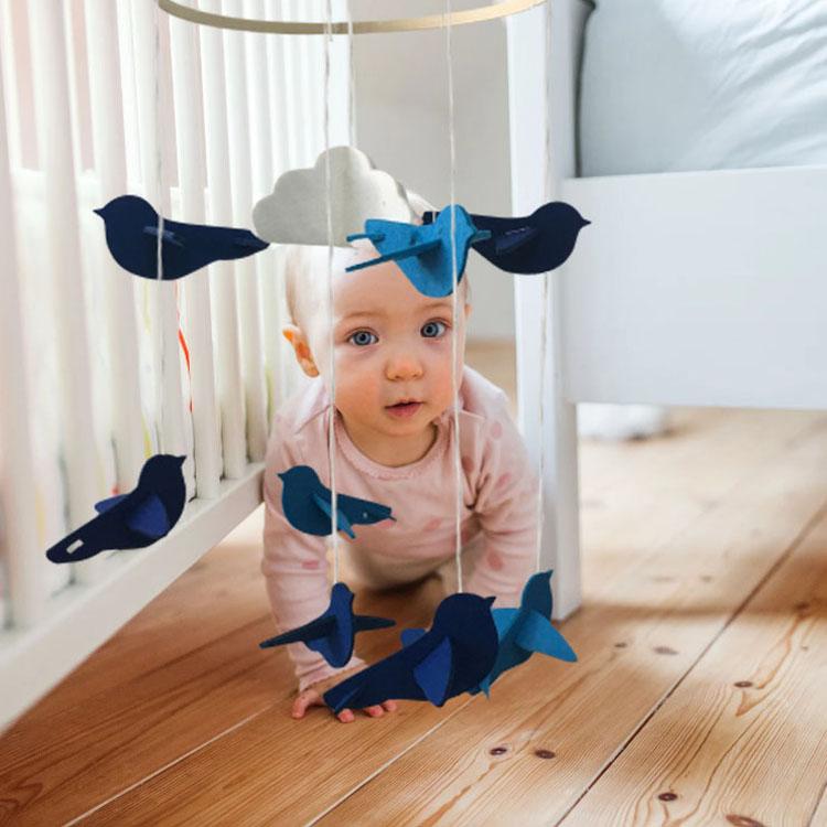 Amazon hot selling cute interesting felt baby crib mobiles