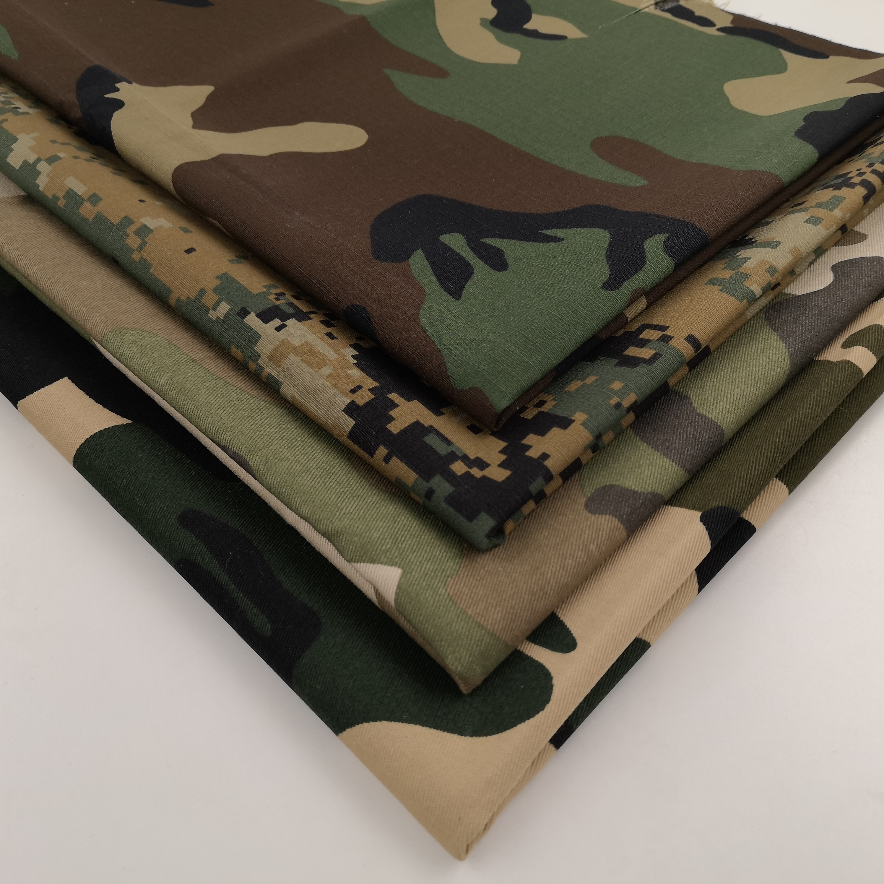 65% polyeste/ 35% cotton twill camouflage 200-250gsm weight waterproof for army garments