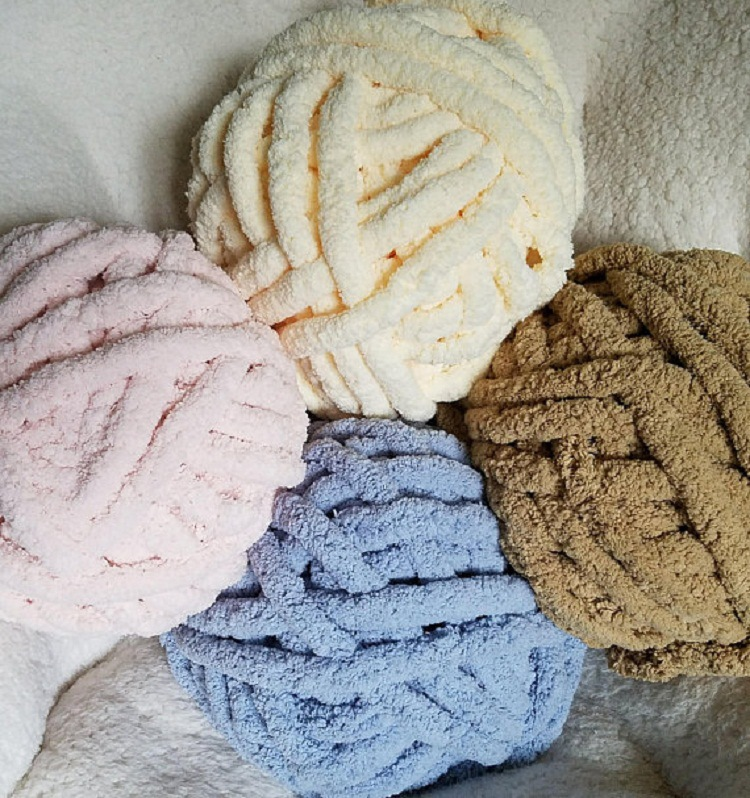 Natural Chunky Knit thick chenille yarn for handmade blankets