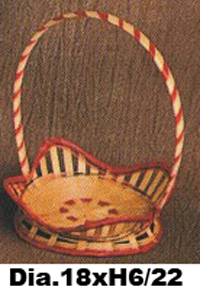 Cheap empty wicker fruit and gift basket with handle by VITRAPRO