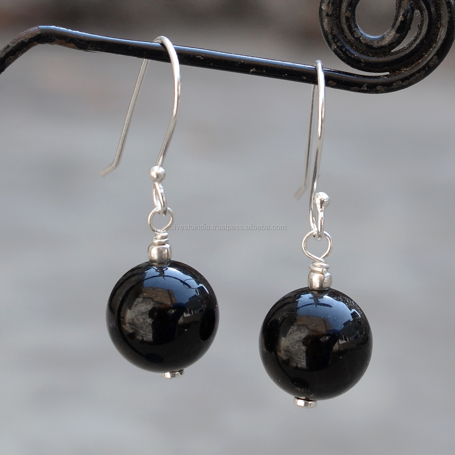 Round Onyx Mexican Silver Plate Earrings