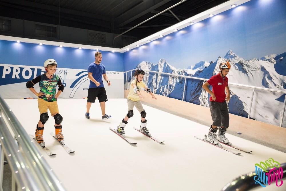 Amusement Park Ski Simulator Snowboard Endless Slopes