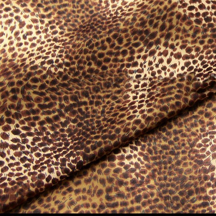 Шелковая хлопковая ткань с леопардовым принтом
