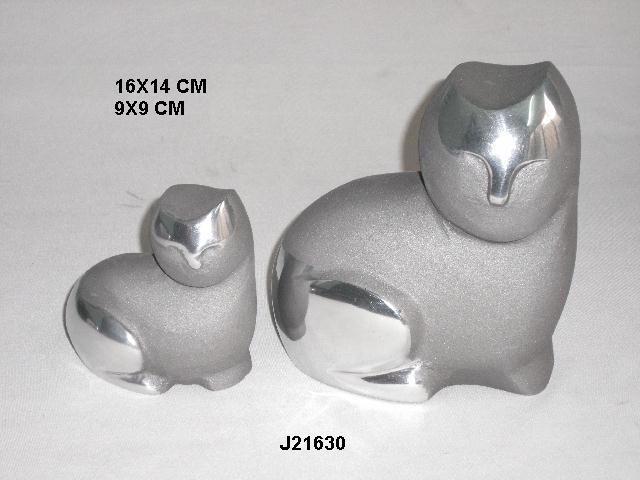 Cast Aluminium Cat With Mirror Polish Finish and Grey Finish