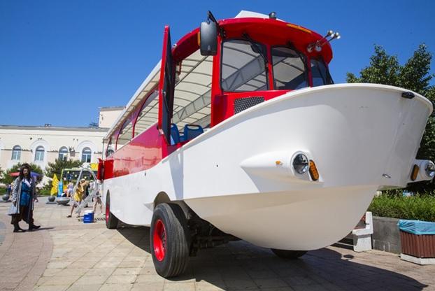 Амфибия лодка река плавучий автобус