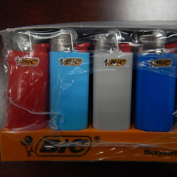 Colored Disposable Cricket Lighter Bic Lighter with Wholesale Price