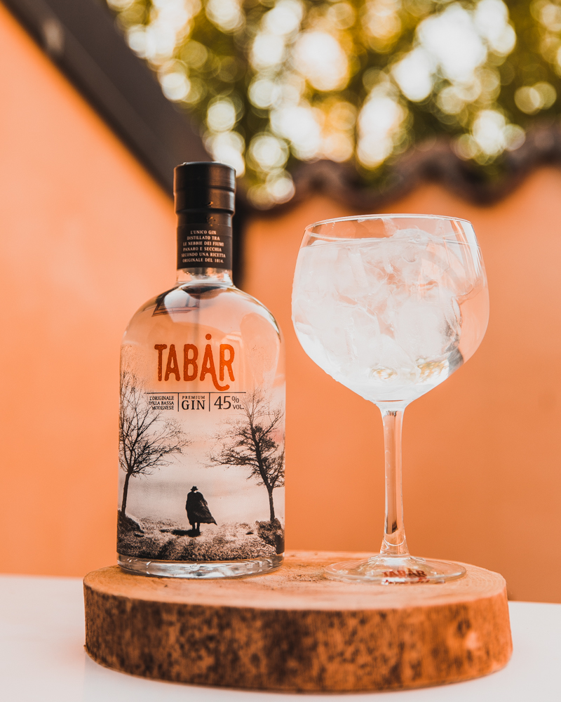 Top quality Liquor 45% Alcohol Contents - full-bodied and intense Gin