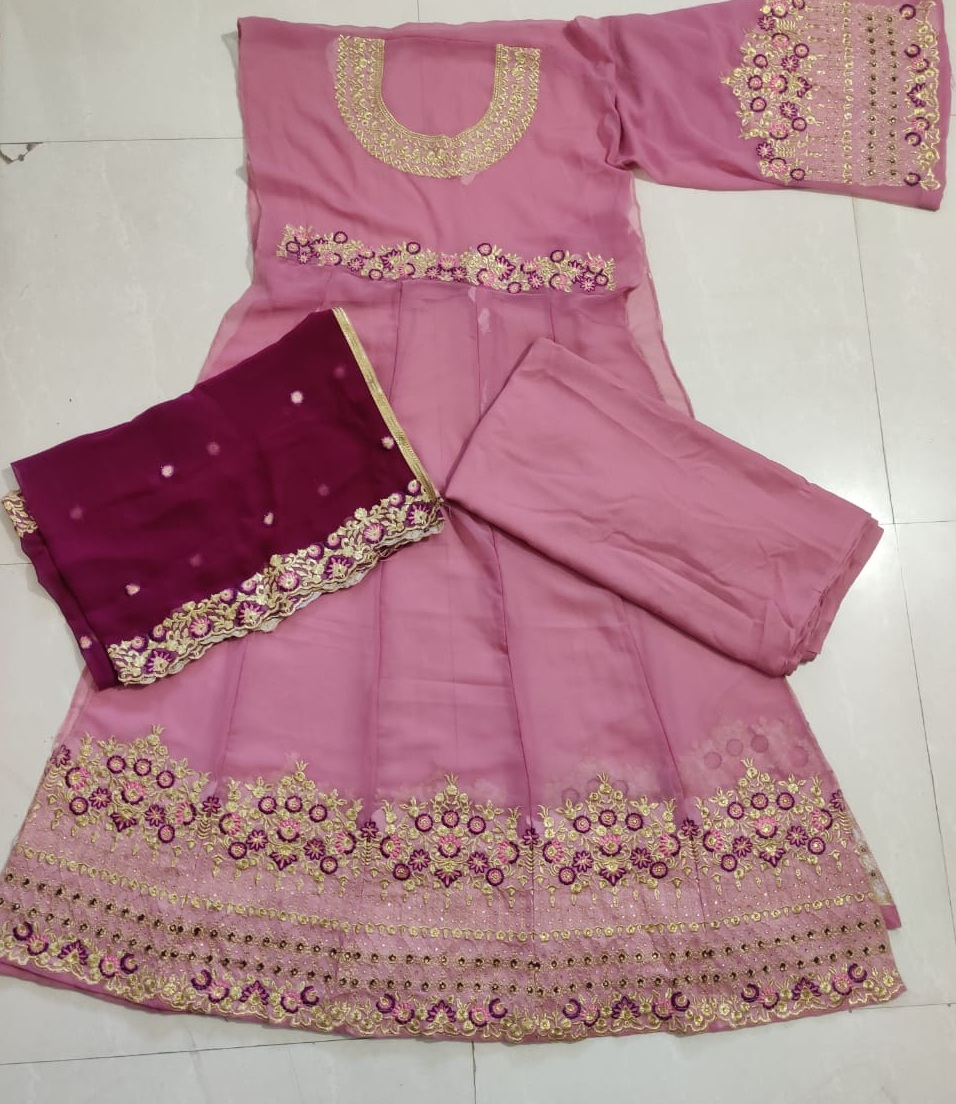 raazi anarkali suit of georgette with embroidery work and stone work with both side work for special occasion
