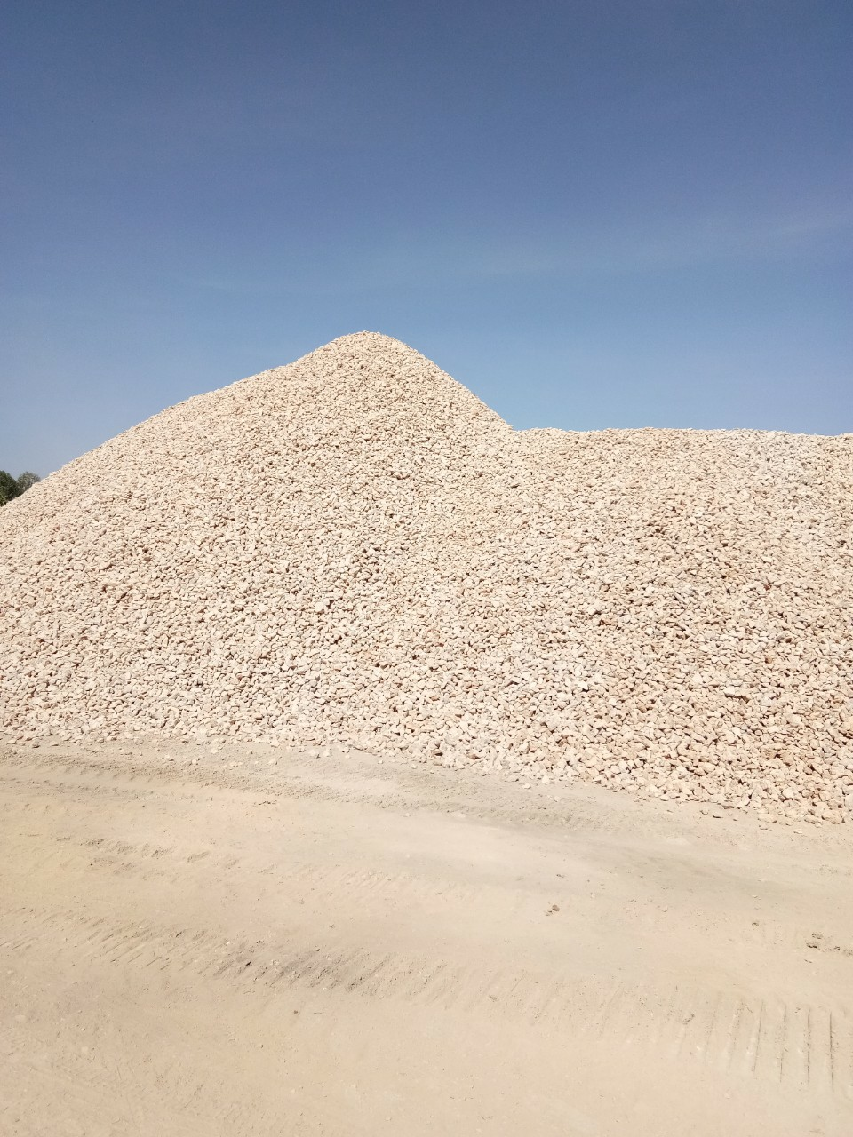 High Quality Dolomite Stone from Vietnam Suitable for Export and Import